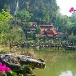 http://www.verkenthailand.nl/wp-content/uploads/2013/12/Boeddhistische-tempels-36752.jpg