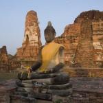 http://www.verkenthailand.nl/wp-content/uploads/2013/12/Boeddhistische-tempels-36753.jpg